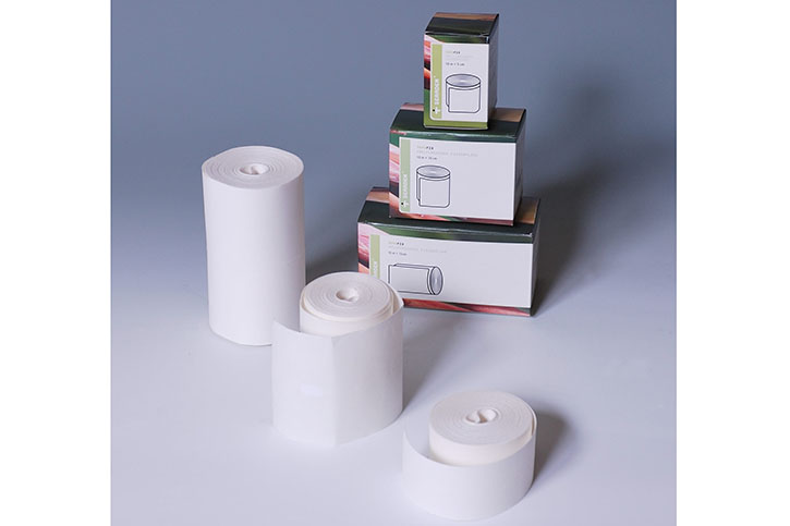 Adhesive non-woven with polyacrylate adhesive